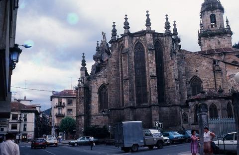198709バルマセダ中心の教会 (2)