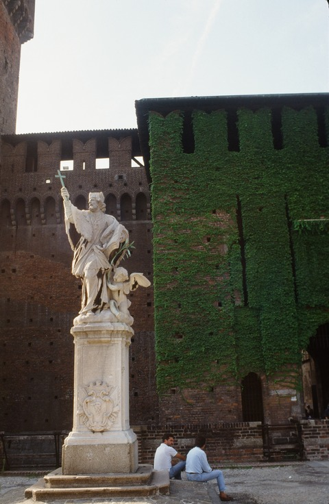 198808ミラノS城の風景 (2)