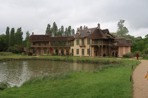 VersaillesPetit Trianon432アモー王妃の家と池のどか