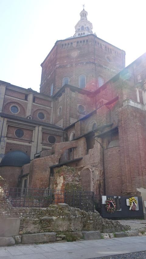 パヴィアDuomoの崩れた塔跡