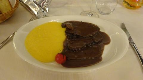 食Mアラ・ランゲの牛とポレンタ2018