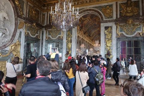 Versailles161戦争の間と奥の鏡の回廊