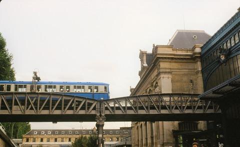 P15アウ駅高架5号線198009