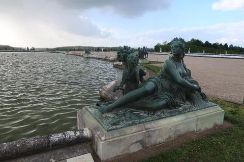Versailles241噴水終了夕暮れ
