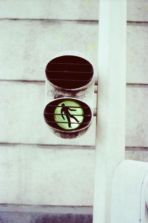 198007仏歩行者用信号 (2)