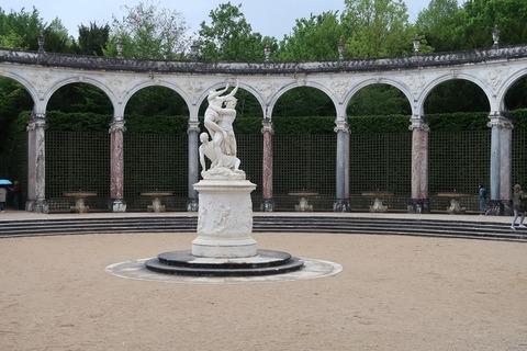 Versailles217Aコロンナードの小噴水休止中