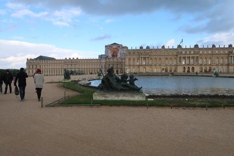Versailles208A前庭北と宮殿夕