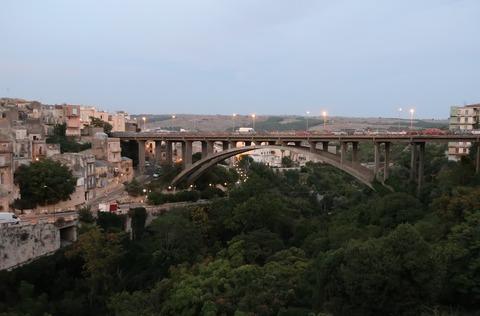 201809ラグーザ新市街黄昏のG23世橋