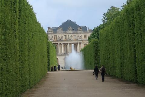 Versailles233セレ噴水越しに宮殿北