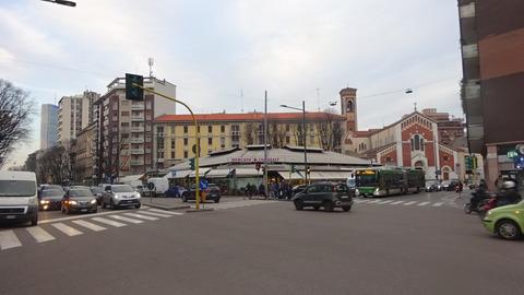 BuonarottiWagner駅とメルカート201803