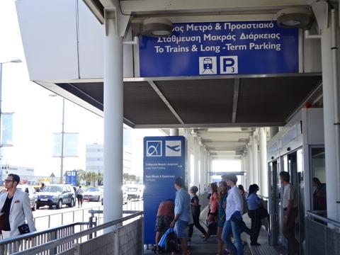 アテネ空港二言語201509