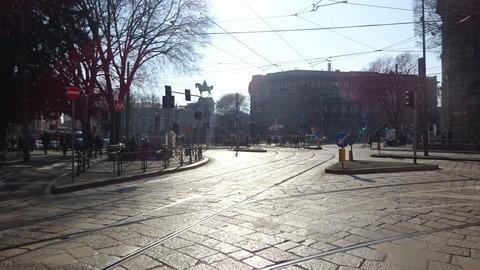 城を見るCairoli広場午後