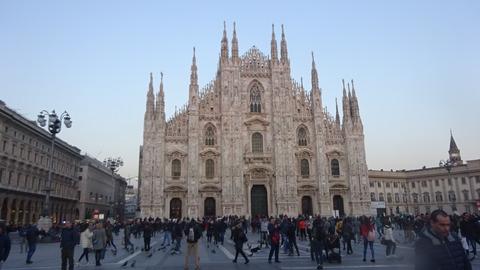 Duomo夕暮れややオレンジ201803