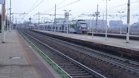 電TDセストを出る最新型通勤形201803