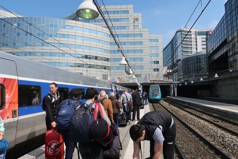 TGVホーム混雑MPNS201904
