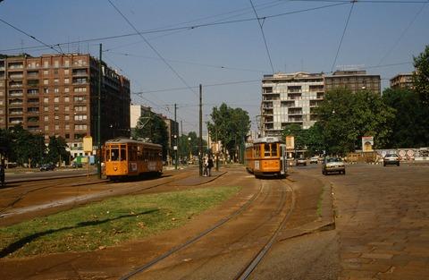 198808ミラノ市電と街並み (2)