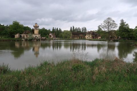 VersaillesPetit Trianon437アモーと左マルボロー塔