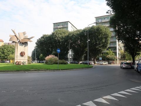 イゾラのSegrino広場記念碑Sep2018