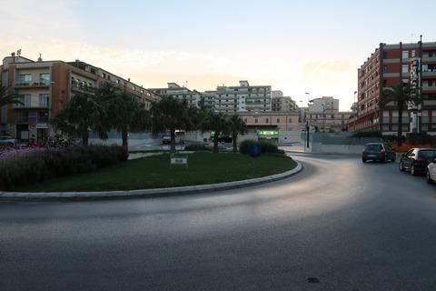 ラグーザ駅とポポロ広場Sep2018