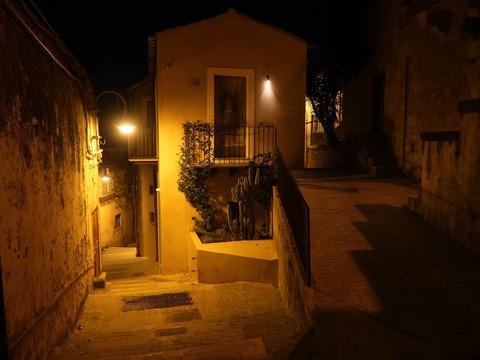 モディカの夜の静かな路地裏Sep2018