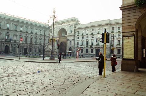 200111初冬のミラノ スカラ座広場