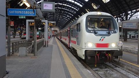 電FSミラノCleの客車特急トリノ行き201803
