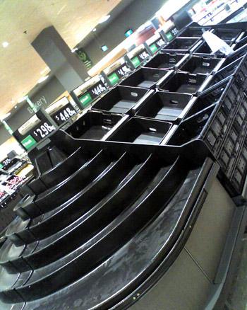 スーパーマーケットの棚