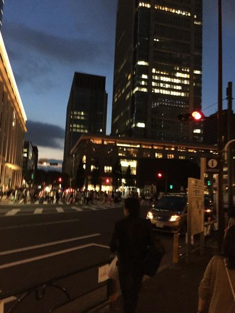 ジャンプショップ東京駅店は賑わっていました