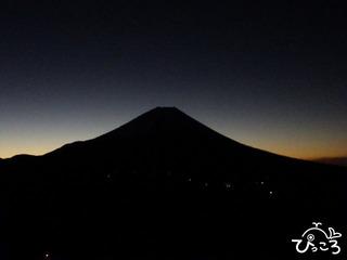 2013-1-6夜明け前の富士山