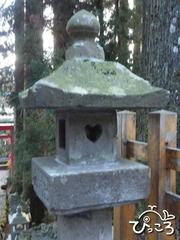 縁結びの石灯籠