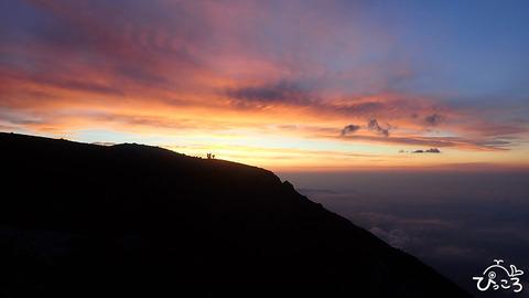 山頂での朝焼け_P7121155
