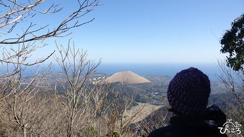 200223_大室山を見下ろす