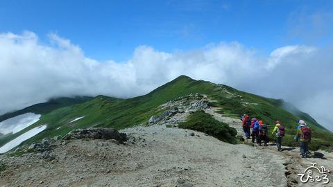 飯豊山_山頂への道