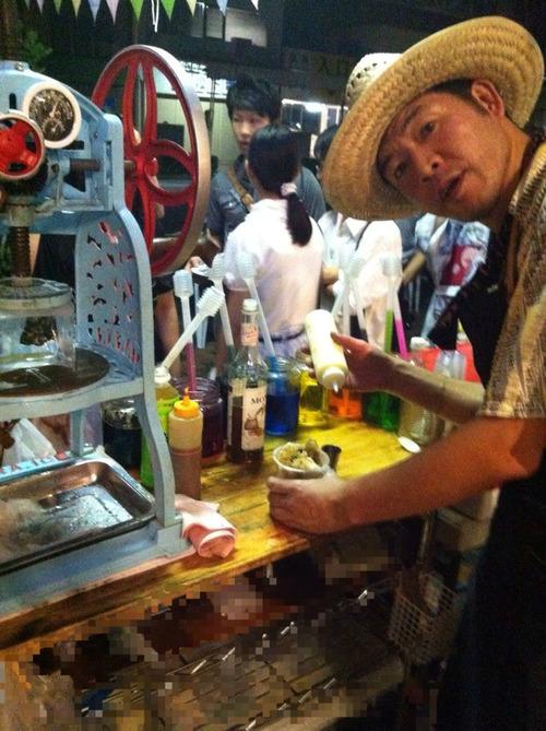 三島夏祭りでカキ氷