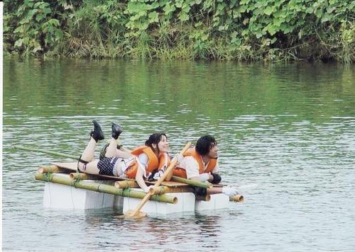 狩野川いかだレース
