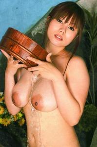 com_b_o_i_boinnaoppai_384837-1s