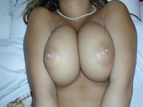 巨乳ギャルの乳