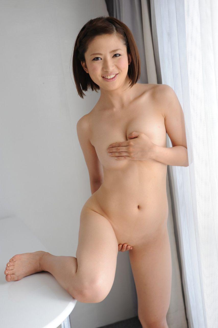 パイパン少女の裸