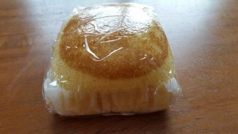 ダイソー熟成厚焼きたまご風蒸しパン山崎製パンのカロリーモンスター