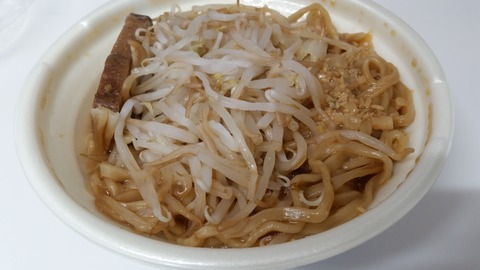 セブン中華蕎麦とみ田監修豚ラーメン