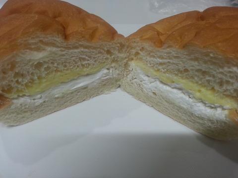 福田パン メニュー 組み合わせ バナナとホイップ(まろやかチョコが無いなんて…)2