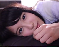 【エロ動画】朝起きたら可愛い女の子が体に乗っかってた…