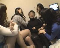 【エロ動画】美女5人に男1人。最高にうらやましい乱交SEX