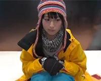 【エロ動画】スノボに来ていた可愛い女の子が流れでヤラれてしまう!