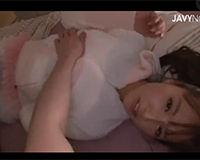 【エロ動画】元アイドルの彼女と寝る前にイチャイチャセックス