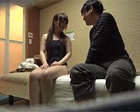 【エロ動画】若いヘルス嬢にスク水着させてエッチが高まった所で挿入