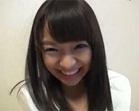 可愛らしい笑顔の童顔ロリなちっぱい娘と楽しくハメ撮り