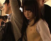 【エロ動画】バスで痴漢されお尻にザーメンぶっかけられる女の子 嫌がる表情も可愛い