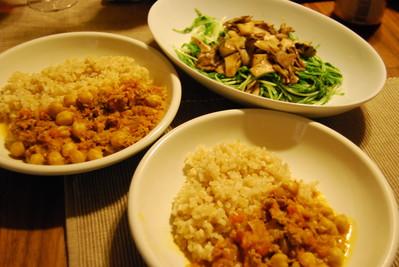 ひよこ豆と人参のベジカレー&水菜とキノコのホットサラダ