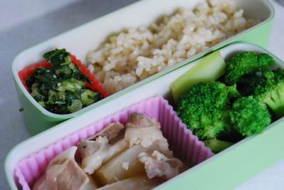 大根の煮物とブロッコリー炒めの玄米弁当
